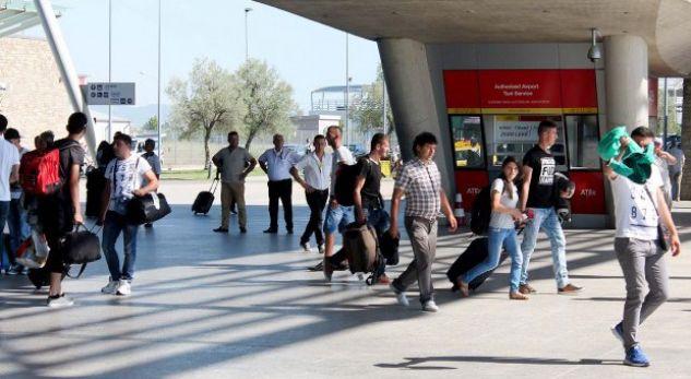 The Economist: Shqiptarët po plaken, po vdesin, po largohen!