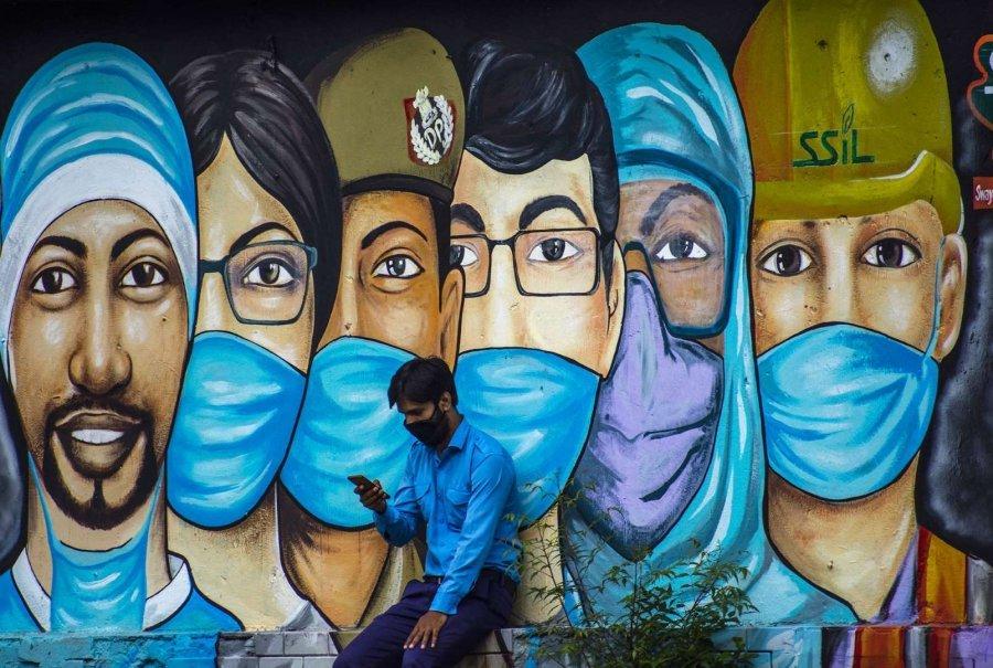 GALERI/ Si koronavirusi frymëzoi mijëra piktura murale nëpër botë