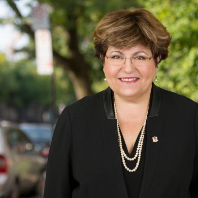 Mary Deros, 20 vite këshilltare pranë Bashkisë së Montrealit
