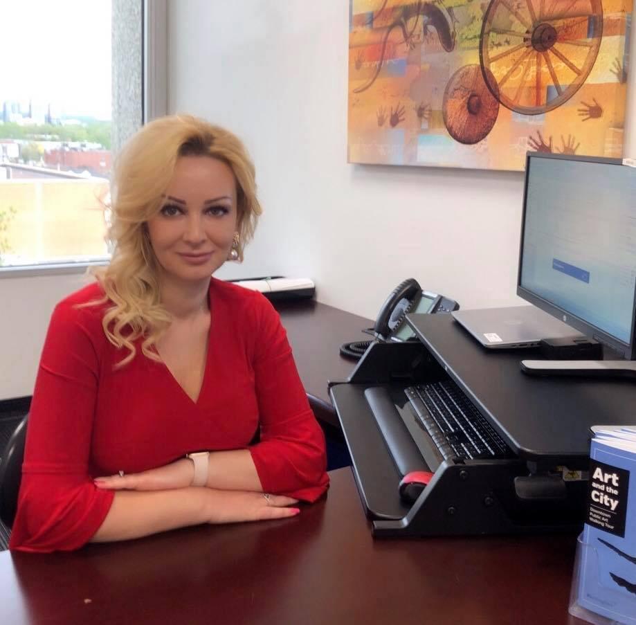 Karriera dhe emigrimi i Anxhela Paparizos, ndryshimi që solli shqiptarja në bashkinë e Burlington