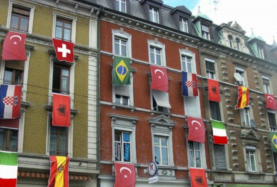 Zvicër\ Pas katër gjuhëve zyrtare, vjen shqipja si gjuhë më shumë e folur