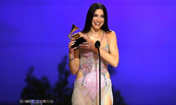 """Dua Lipa fiton çmimin """"Grammy"""" për albumin më të mirë pop"""