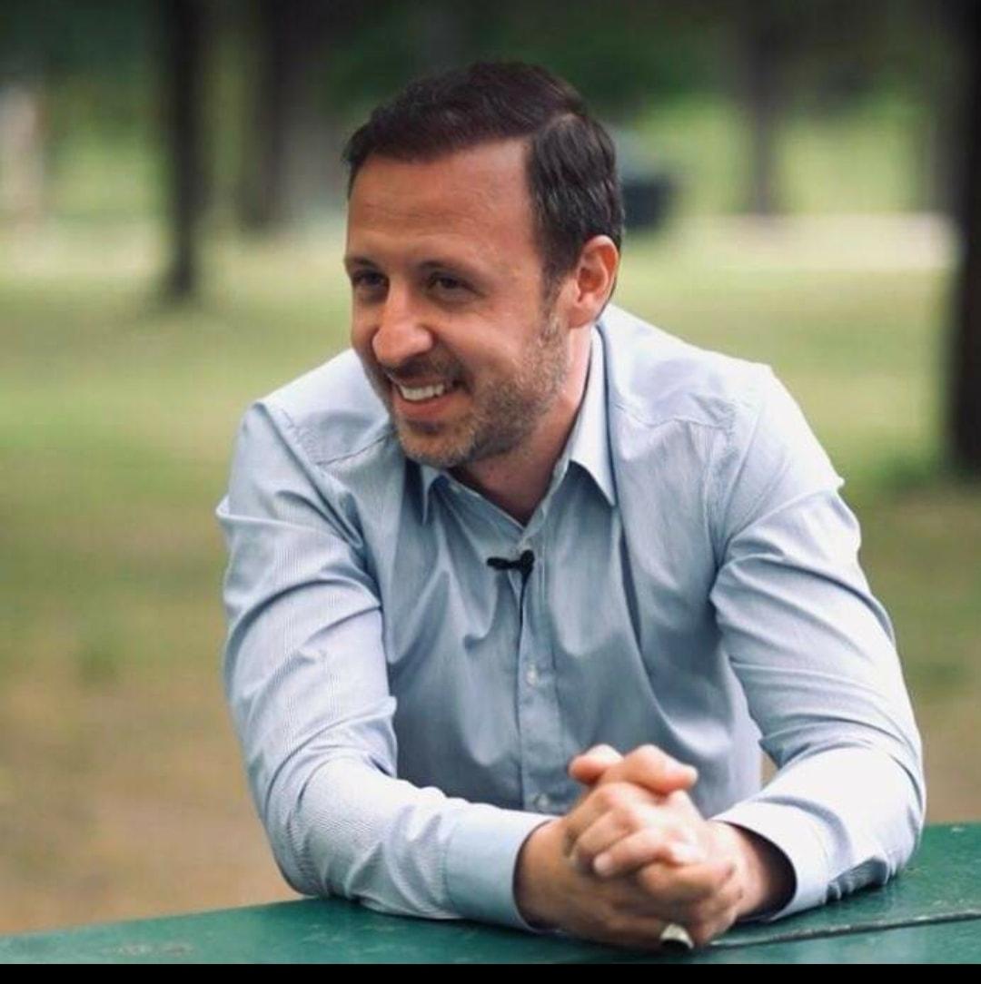 Taku dhe jetët e të tjerëve – Nga Nador Bakalli