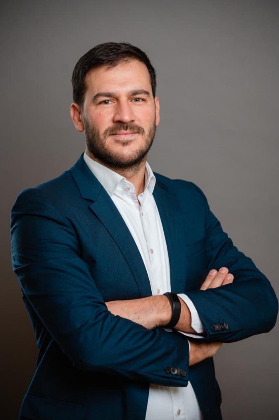 """""""Diaspora për Shqipërinë e Lirë"""" Florian Haçkaj: Problematikë zgjedhjet e 25 prillit, synimi ynë zyrtarizimi i votës së emigrantëve"""