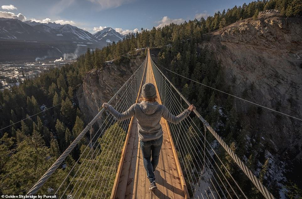 """KANADA/ Hapet për vizitorët ura që """"të lë pa frymë"""""""