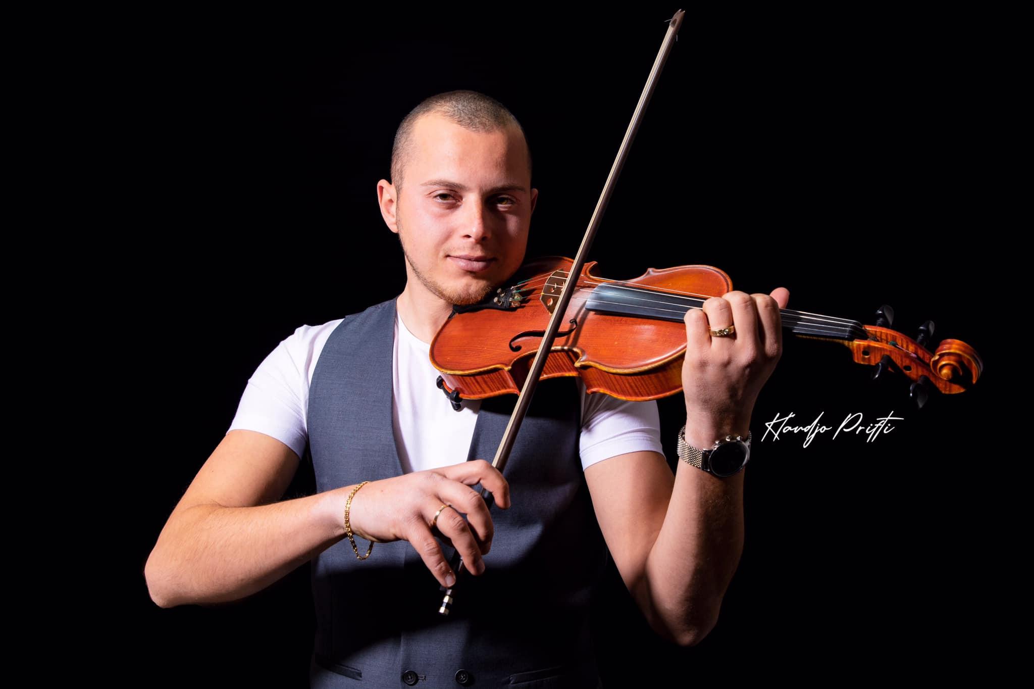 Kristian Gusho, violinisti i ri shqiptar në Kanada